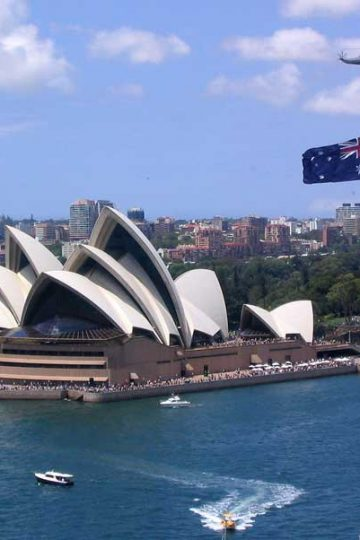 sydney opera house australia - are piranhas legal